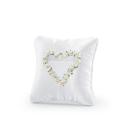 Svadobný vankúšik pod obrúčky - srdce z bielych kvetov