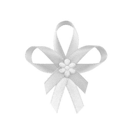 Biele svadobné pierka pre hostí