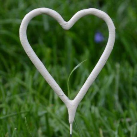 Biele prskavky v tvare srdca