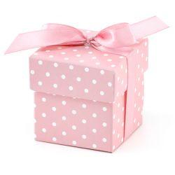 Ružová krabička na darčeky pre hostí s bodkami