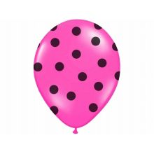 Cyklamenový balón s čiernymi bodkami