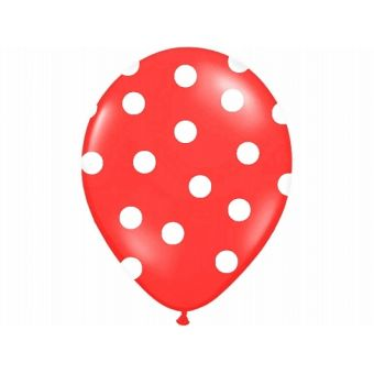 Červený balón s bielymi bodkami